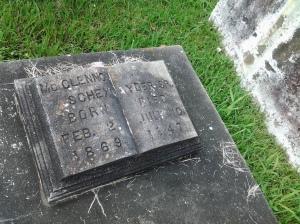 Grave Mcclennen